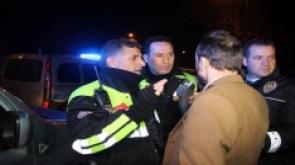 Konya'da Polisten kaçan alkollü sürücü yakalanınca avukat kimliği göstermek istedi
