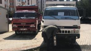 Konya'da İkiz plakalı kamyonetler yan yana yakalandı