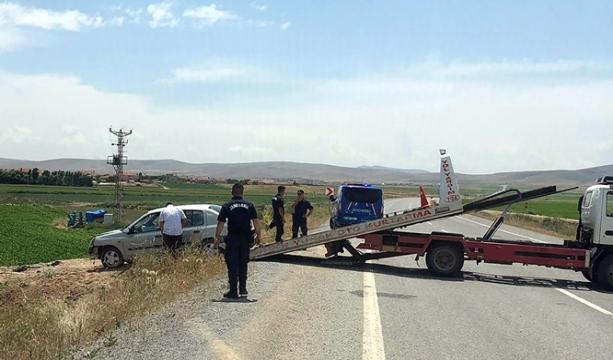 Konya'nın Çeltik ilçesinde meydana gelen trafik kazasında 2 kişi yaralandı