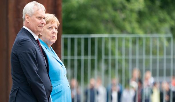Merkel üçüncü kez titreme nöbeti geçirdi
