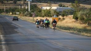 Konya'da Bisiklet tutkunları 251 şehit için 251 kilometre pedal çeviriyor
