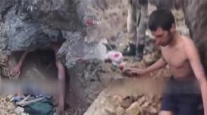 1 teröristin ölü, 1 teröristin sağ olarak yakalandığı operasyona ilişkin yeni görüntüler ortaya çıktı -TIKLA İZLE-
