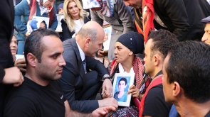Bakan Soylu'dan Diyarbakırlı annelere ziyaret