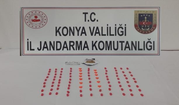 Konya'da Uyuşturucu satıcıları jandarmaya yakalandı