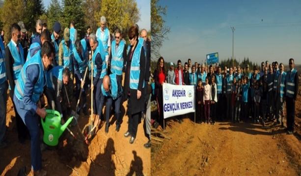 Akşehir'de 'Geleceğe Nefes' için bin 453 fidan
