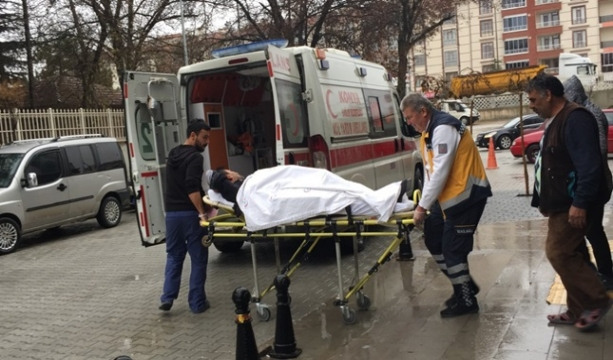 Konya'da Kolunu pres makinesine kıstıran işçi hastanelik oldu