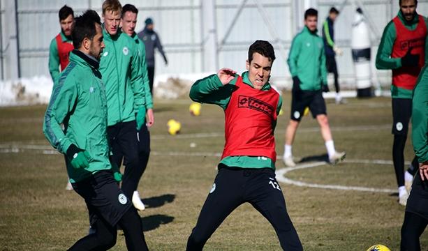 İttifak Holding Konyaspor  günü tek antrenmanla değerlendirdi