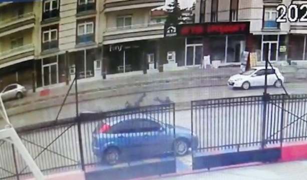 Konya'nın Ereğli ilçesinde Motosiklet ıslak zeminde savruldu 2 yaralı