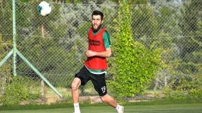 İttifak Holding Konyaspor  Kayacık Tesisleri'mizde yaptığı antrenmanla hazırlıklarına devam etti.