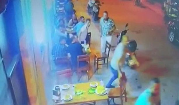 Lokantadaki silahlı saldırı kamerada