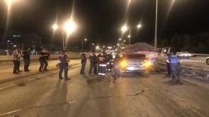 Konya'da otomobil tıra arkadan çarptı 2 yaralı