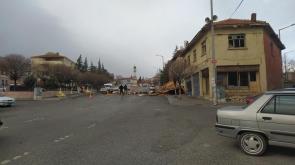 Konya'nın Yunak ilçesinde şiddetli rüzgar adliye binasının çatısını uçurdu