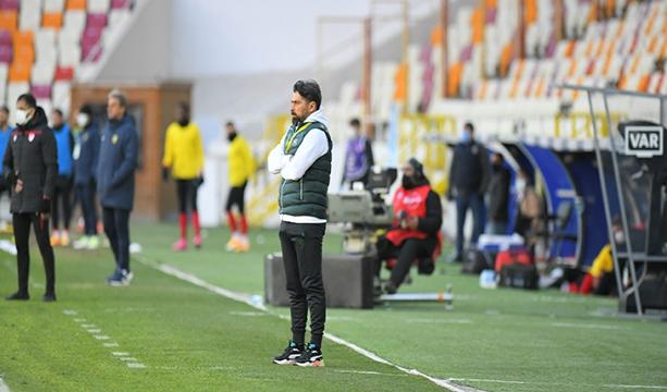 Teknik Direktör İlhan Palut 3-2 kazandığımız Y. Malatyaspor maçı sonrası açıklamalarda bulundu