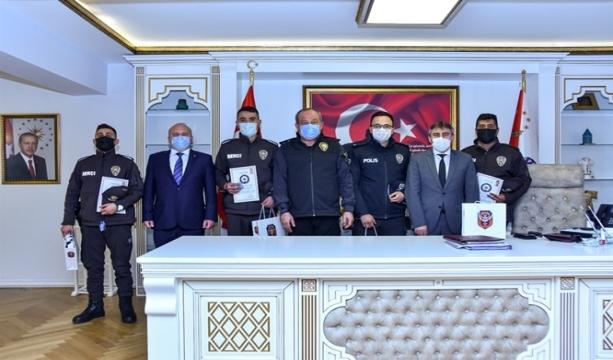 Çarşı ve Mahalle Bekçilerimiz İl Emniyet Müdürü Sayın Mustafa AYDIN Tarafından Ödüllendirildi