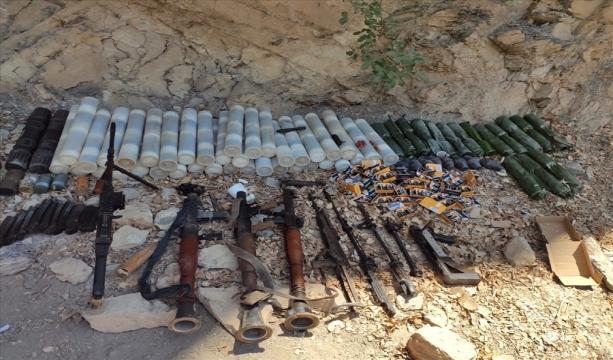 Pençe-Yıldırım Operasyonu Kapsamında Terör Örgütü PKK'ya Ait Çok Sayıda Silah ve Mühimmat Ele Geçirildi