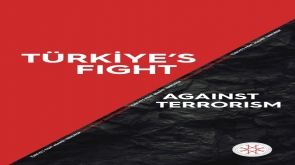 """Cumhurbaşkanı Erdoğan, NATO Zirvesi'nde görüştüğü liderlere """"Türkiye'nin Terörizmle Mücadelesi"""" kitabını takdim etti"""