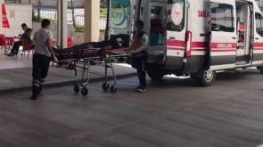 Son dakika  Elma işçilerini taşıyan minibüs devrildi 1 ölü, 20 yaralı