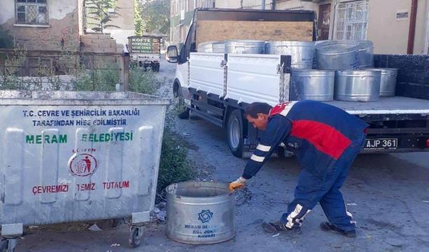 Meram'da Çöp Konteynerleri Yenileniyor