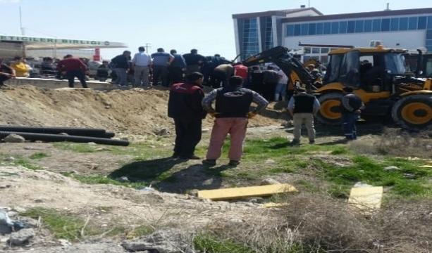Konya'da istinat duvarı çöktü: 4 işçi yaralı