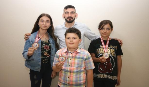 Beyşehir'in şampiyon sporcuları ilçenin gururu oldu