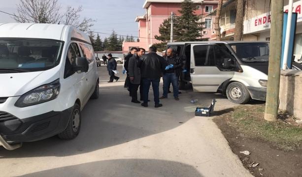 Konya'da Kaçak göçmen taşıyan ehliyetsiz sürücü kovalamaca sonucu yakalandı