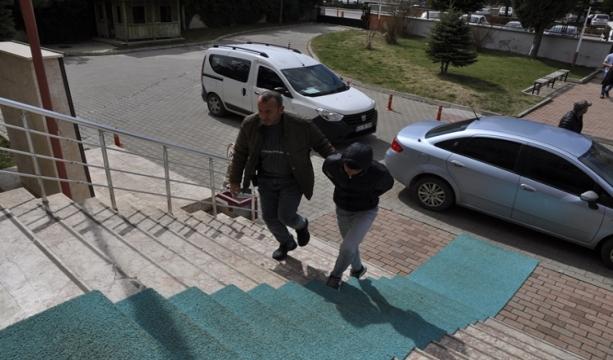 Konya'da Çaldıkları otomobilde telefonunu düşürünce yakalandılar