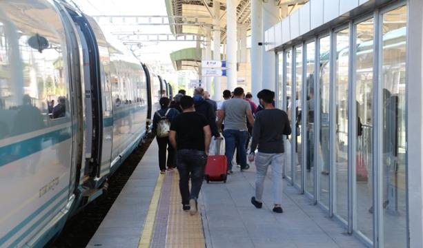 Ankara-Konya seferini yapan YHT Konya'ya ulaştı