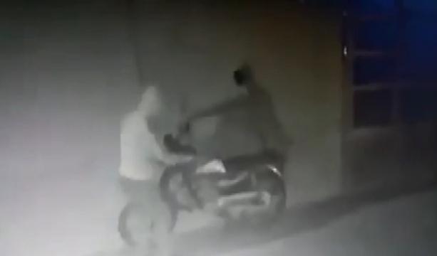 Konya'da Motosikleti çalamayınca bırakıp gittiler