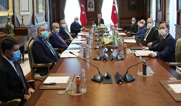 Yüksek İstişare Kurulu, batıda yükselişe geçen İslam düşmanlığını görüştü