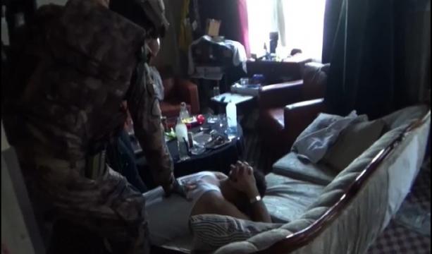 Konya'da uyuşturucu operasyonu, bomba ve uyuşturucu ele geçirildi