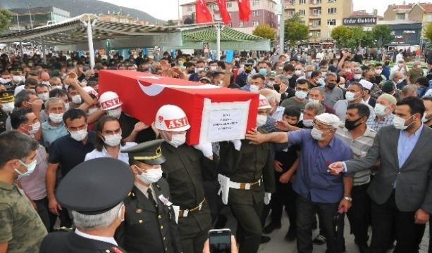 Konya'nın Akşehir ilçesinde düzenlenen cenaze töreniyle Şehit Ömer Faruk Erdem gözyaşlarıyla uğurlandı