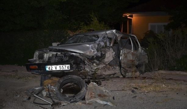 Kamyonet ile hafif ticari araç çarpıştı 1 ölü, 2 yaralı