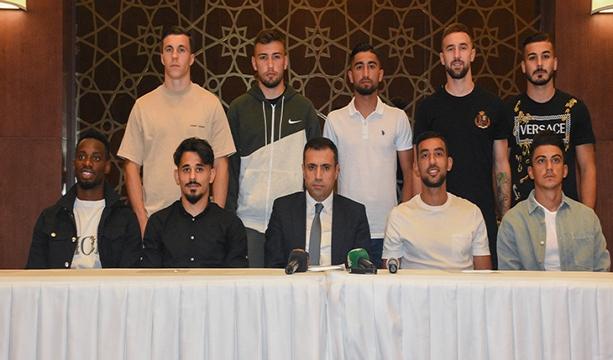 Konyaspor  Başkanı ve yeni transferleri katılımıyla Basın Tanıtım Toplantısı gerçekleştirildi
